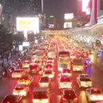 【タイ】歩いた方が早いんじゃないの?バンコク名物「渋滞」!