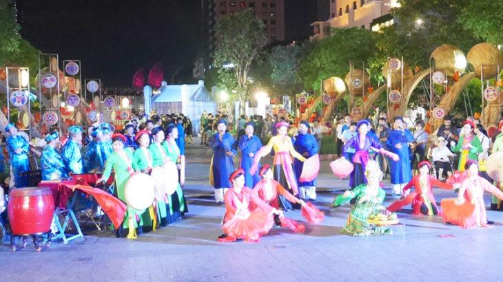 【ベトナム】ベトナム各地のフォークアートが集合!第1回ベトナム民俗芸能フェスティバル