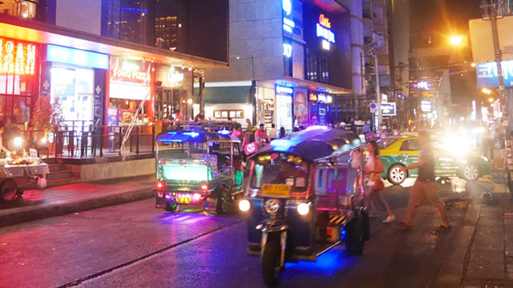 【タイ】バンコクのナナで欧米人好みの洋食レストランやバーの集まるスクンビットソイ11