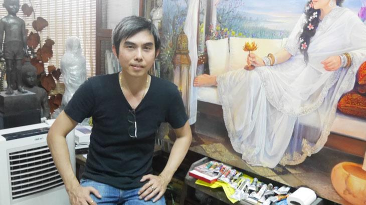 【タイ】タイの有名女優や幻想的な女性を仏教の世界観を背景に描く画家 Chatchawan Rodklongtan
