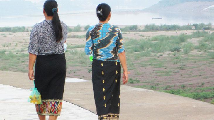 【ラオス】日常着として親しまれるラオス民族衣装の巻きスカート「シン」