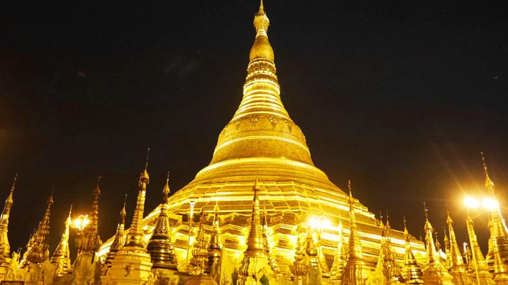 【ミャンマー】黄金の仏塔「シュエダゴンパゴダ」の魅力を歴史や基本情報から昼と夜のライトアップまで存分にご紹介します!
