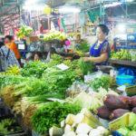 【タイ】バンコクで庶民の台所といえばローカル色満載の「クロントゥーイ市場」!