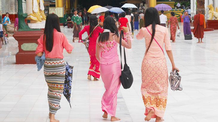 【ミャンマー】ミャンマー女性の魅力を引き出す伝統衣装「ロンジー」