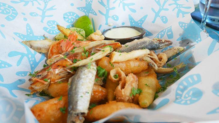 """【ベトナム】ホーチミンで本格的地中海シーフードをリーズナブルに楽しめるおしゃれなレストラン「フレッシュ・キャッチ・ベトナム""""Fresh Catch Vietnam""""」!イカ墨リゾットなどおすすめ料理をご紹介!"""