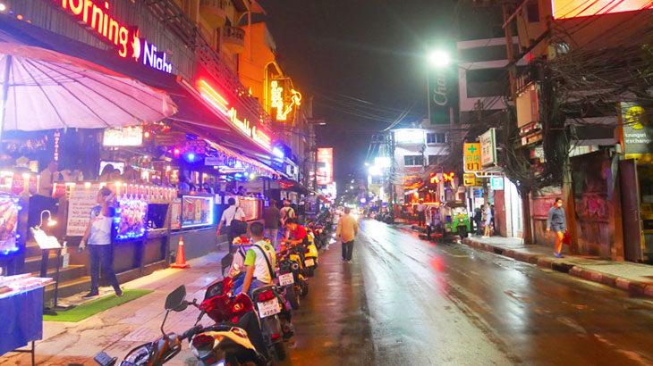 【タイ】コロナ規制緩和となったバンコクの7月1日当日の様子〜新学期、ゲームセンター、歓楽街などの様子