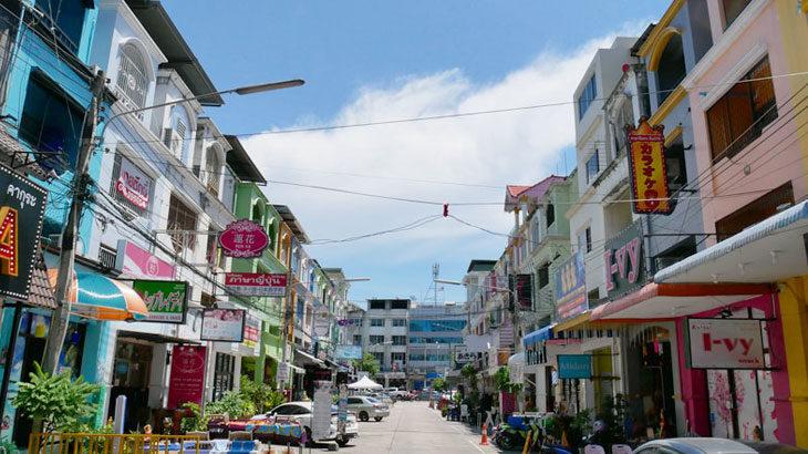 【タイ】シラチャ中心地ロビンソンデパート周辺はタイ屈指の日本人街があるリトルジャパン!